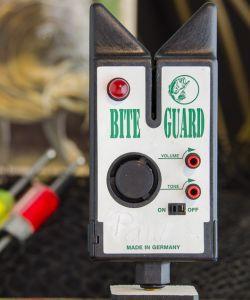 Bite Guard Bissanzeiger (rote Knöpfe)